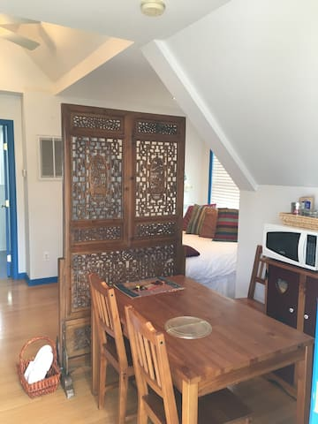 Inviting private carriage house with full bath. - Birmingham - Casa