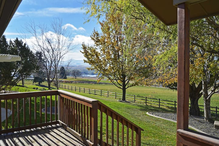 2BR Caldwell Cottage-Heart of Wine Country! - Caldwell - Annat