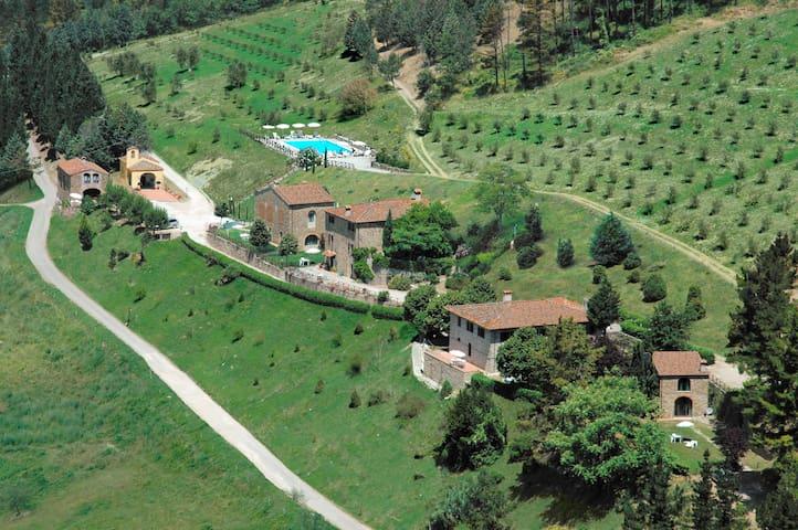 Fattoria Il Lago:  splendida fattoria del Chianti - Dicomano