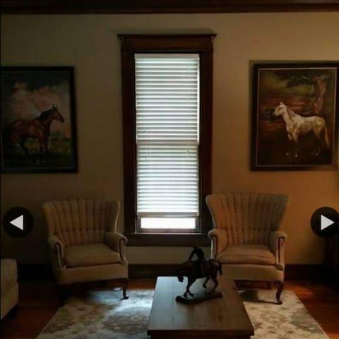 The Shelby House - La Grange