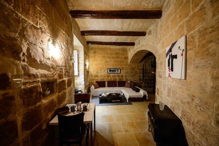 400 year old house - Triq tad-Dawl - Huis