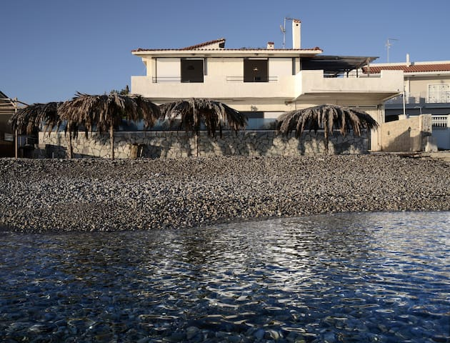Villa by the sea - Nerantza - Huis