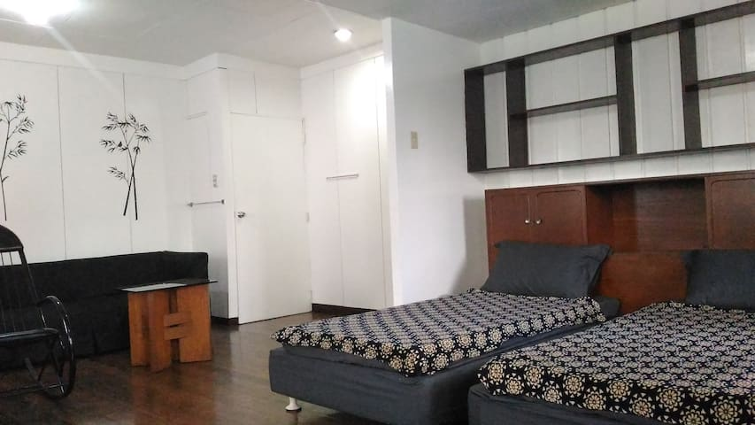 1BR(#5) in a quiet & safe place near UP, Maginhawa - Quezon City - Hus