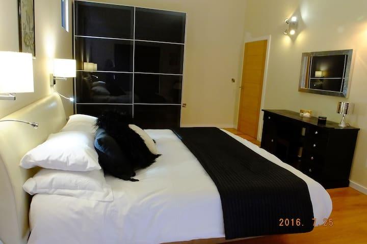 Luxury eco B+B in a woodland setting - Hethel - Bed & Breakfast