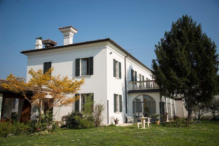 Palazzetto in Franciacorta - Passirano - Casa