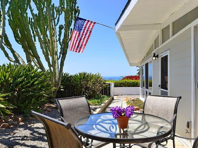 Adorable Del Mar Beach Cottage - Del Mar