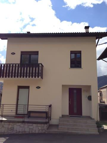 Appartamento alle porte delle Dolomiti - Sorriva