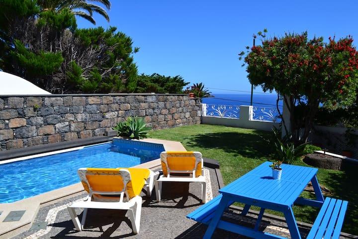 Pool Studio with Ocean View - Caniço - Casa
