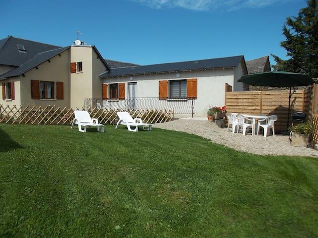 Maison au calme à la campagne proche RODEZ - Pont-de-Salars - Hus