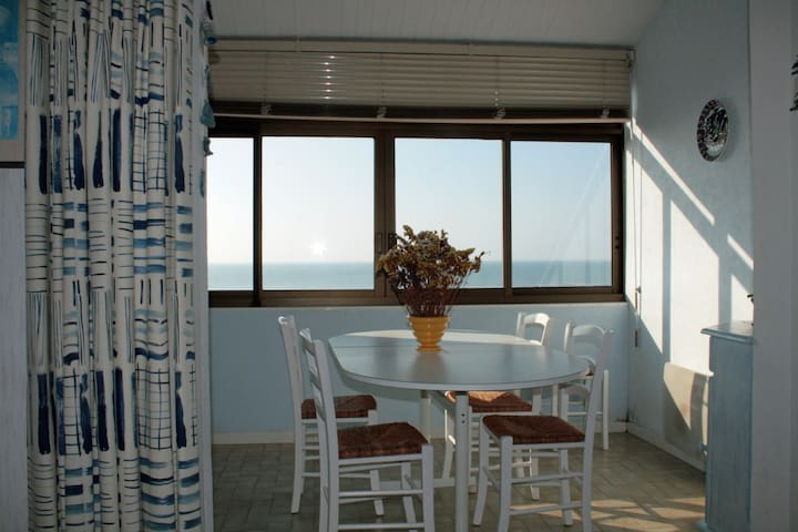 VUE PLEINE MER  35 M2 1 PIÈCES – 2 COUCH - La Tranche-sur-Mer - Apartamento