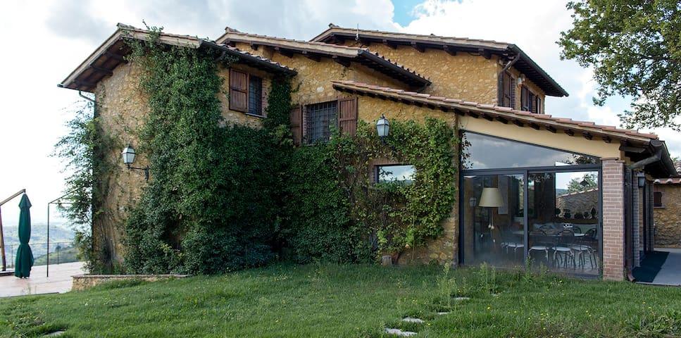 Grande villa con uliveto - Colli-vallicelli