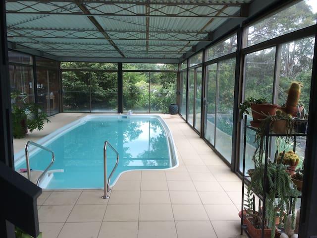 2 Bedroom Sunny garden with Pool - Chapman Canberra - Aamiaismajoitus