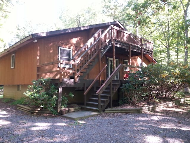 Big Beautiful Chalet With Hot Tub - Albrightsville - Dům