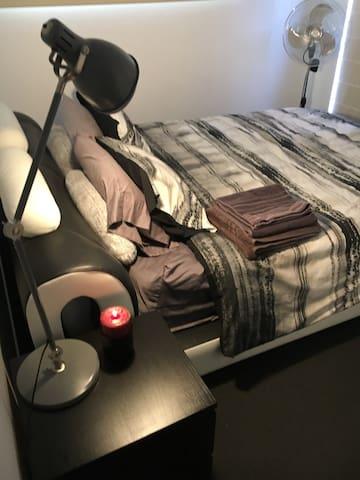 1 Bedroom in Executive Apartment - Watson - Departamento