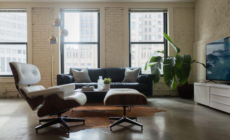 Designer Loft in Center of Downtown - St. Louis - Loft