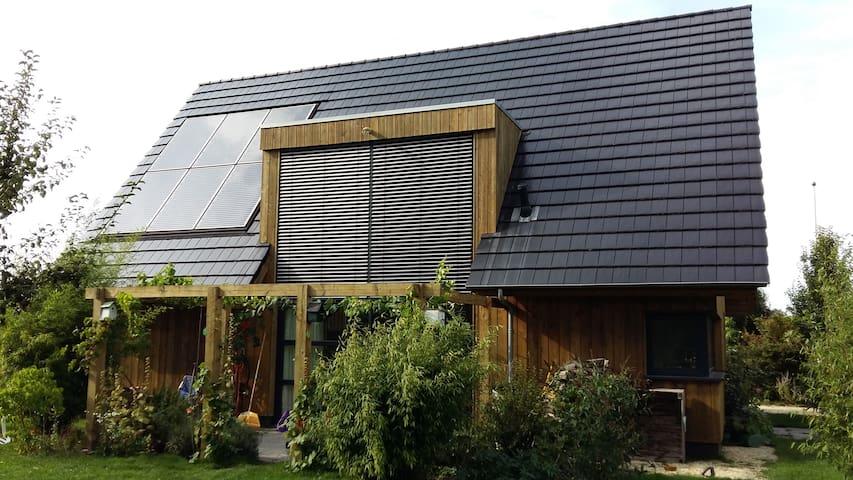 Heerlijk houten landhuis met grote tuin - Noordhorn - Casa