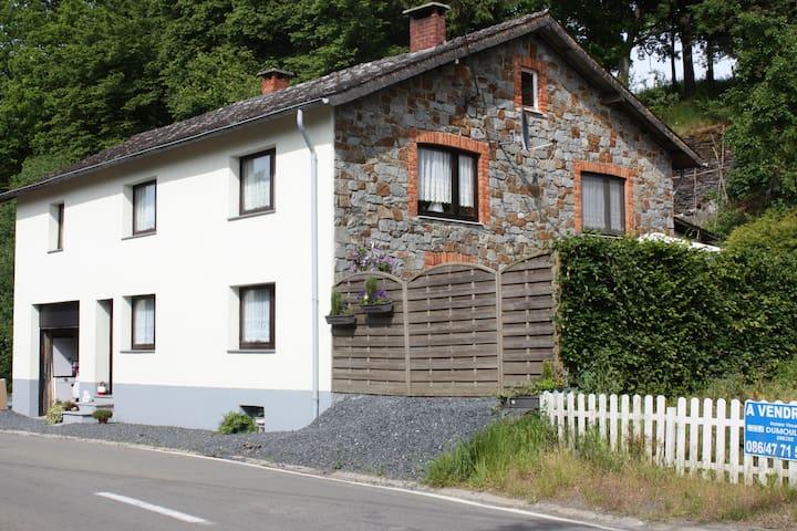 B&B Maison Ardennaise Chambre 2p - Houffalize