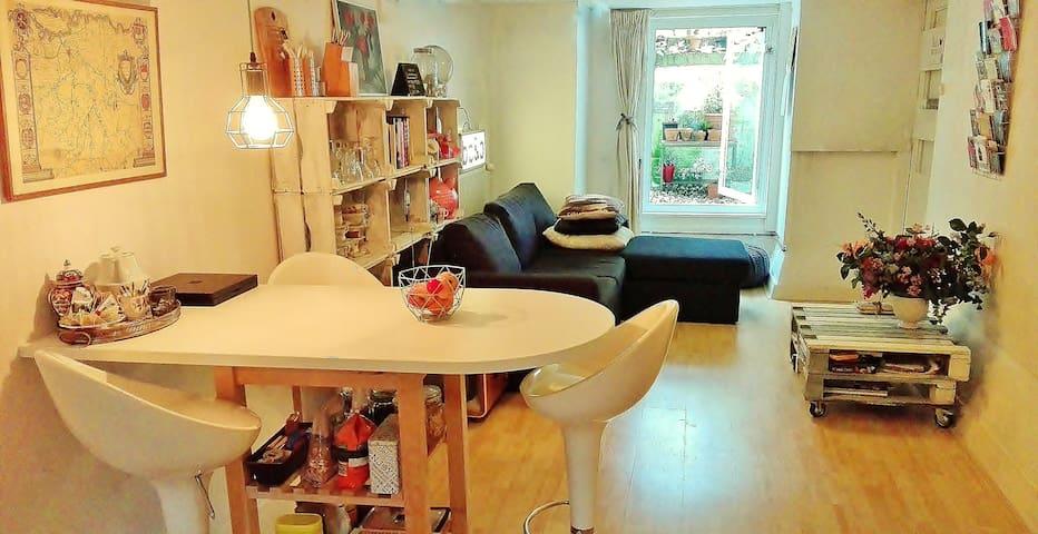 Bed, bath&basement appartment - Nijmegen - Apartamento