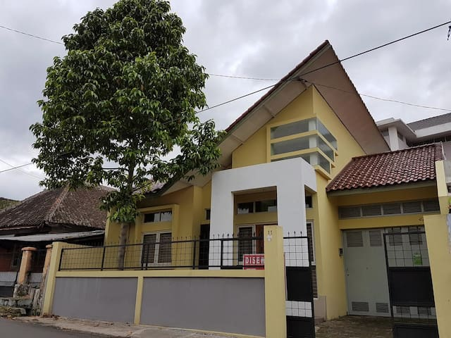 Yulia's homey - Cimahi Tengah - Casa