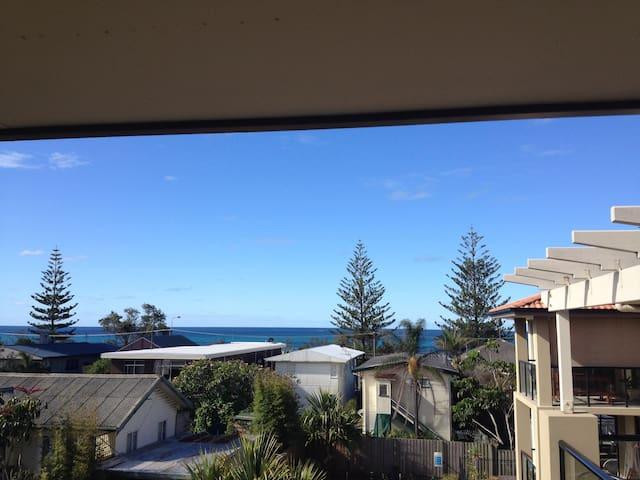 Beach View Apartment - Currumbin