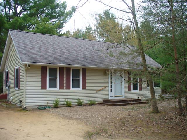 Cozy cottage near Meinert Park and Lake Michigan - Montague