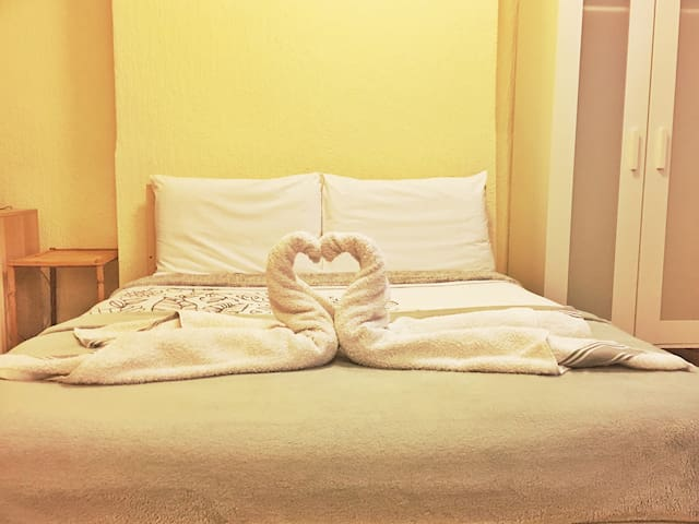 Double room in City Center steps away from Stadium - 加的夫 - 公寓
