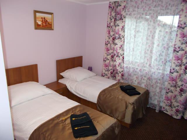Pokój 2 osobowy - 2 Łóżka Pojedyńcze 90x200 - nr 4 - Grodzisk Mazowiecki