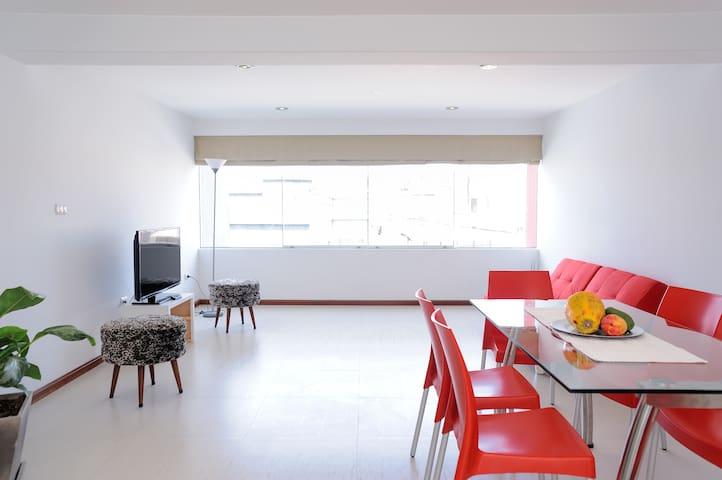 Spacious and comfortable department in VALLECITO - Miraflores - Apartment