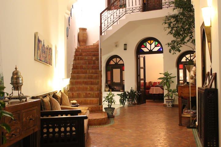 Room Lilac at Dar Manara - 阿爾西拉(Asilah) - 家庭式旅館