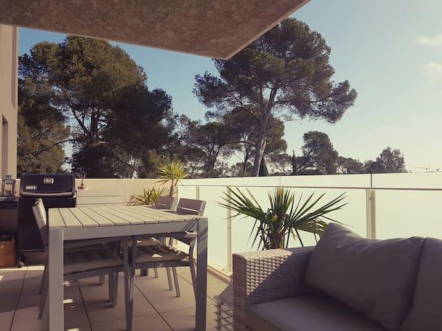 Belle chambre avec accès balcon - Juvignac - Appartement