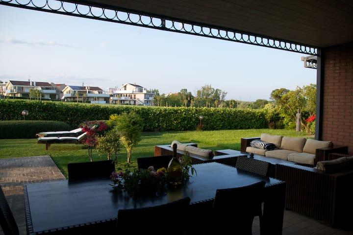 Villa in Miglianico Golf Club - Miglianico - Villa