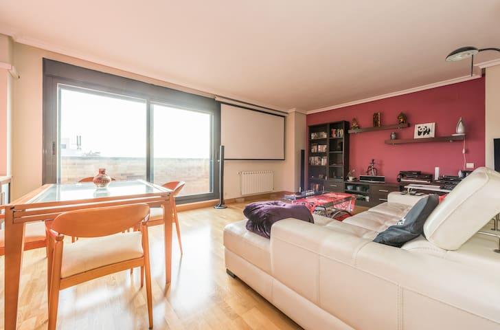 Semi ático espectacular con cine - Parla - Dom
