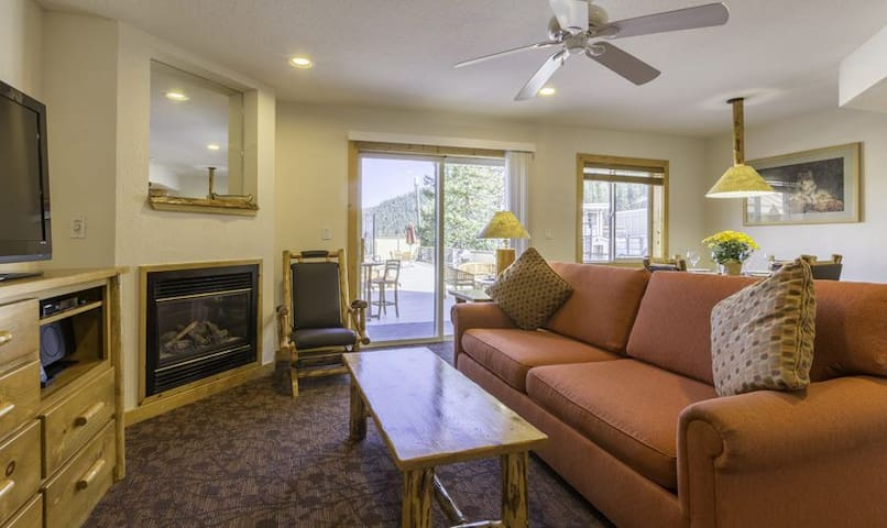 Ski to your door-1BR unit at base of Red Dog lift - Olympic Valley - Andelsboende