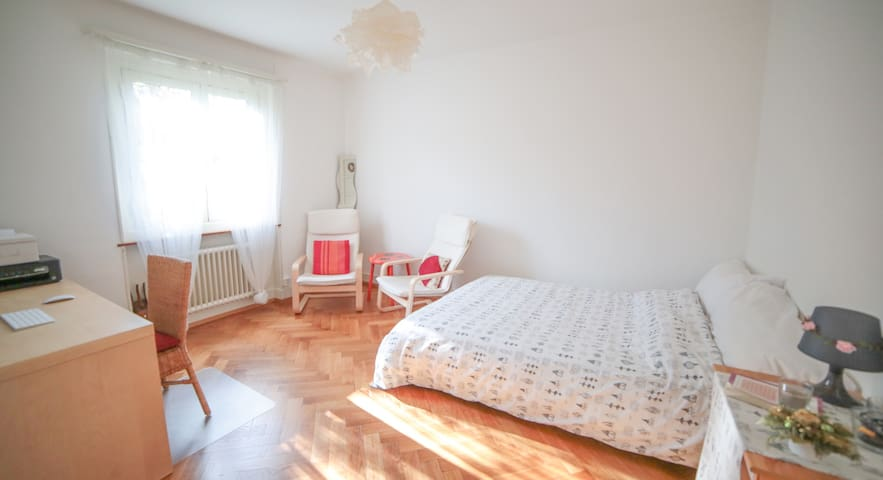 Cosy Sunny Flat to Rent - Renens - Wohnung