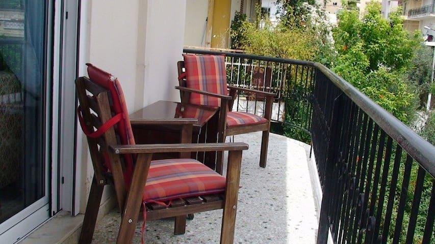 Near metro, newly refurbished flat - Chaidari - 公寓