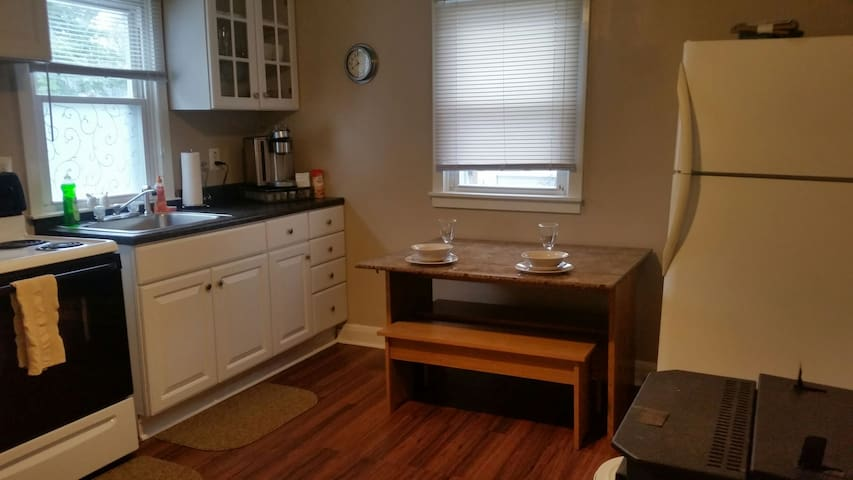 Very quiet Apart 1 bdrm. with W/D - Essex