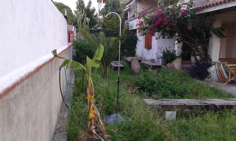in villa a 20 mt. dal mare,CALABRIA - Montepaone Lido - Villa