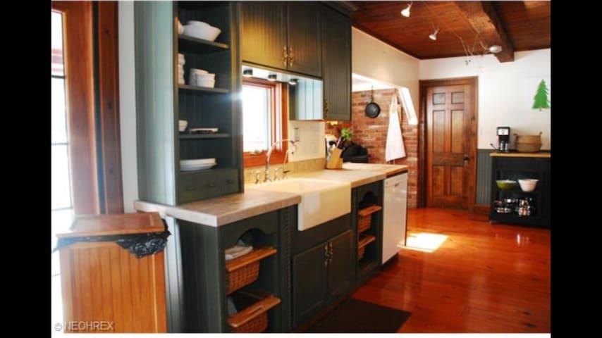 Beautiful, rustic, quiet cabin - Mogadore - Hus