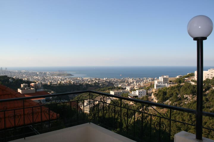 Sea View Apartment, 10 min to Down Town - Beirut Governorate - Appartement