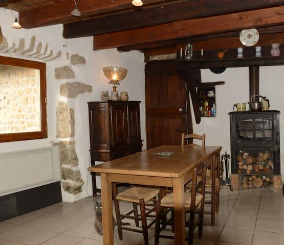 Maison de caractère en Ardèche - Saint-Jean-Chambre - Huis