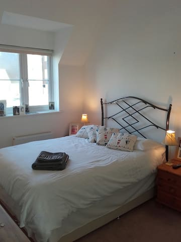 Modern light and airey Coach House - West Sussex - Ev