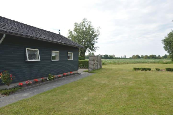 Rustig gelegen bungalow. - Noordgouwe - Departamento