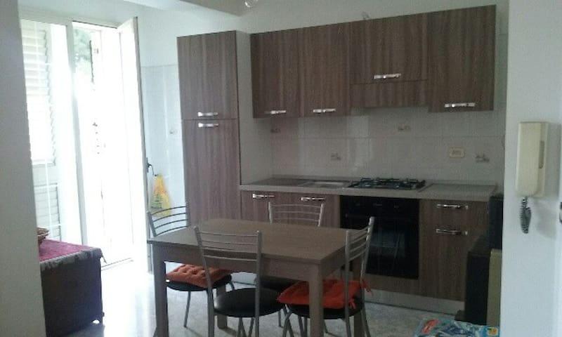 Appartamento luminoso al II piano - Furci Siculo - Lägenhet