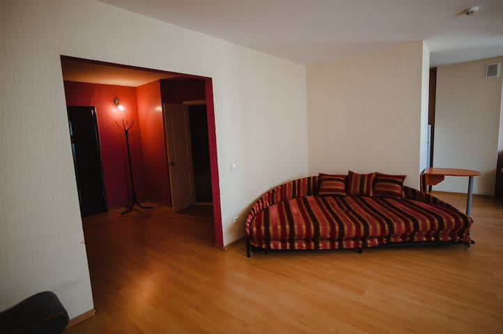 Уютная квартира в центре Ижевска - Izhevsk - Apartmen