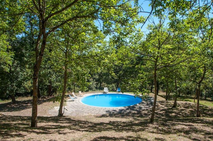 Delightful villa in hillside estate, 1 hr to Rome - Tagliacozzo - Apartament