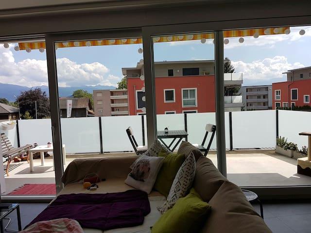 Schönes Zimmer in moderner Wohnung - altstätten sg - Apartemen