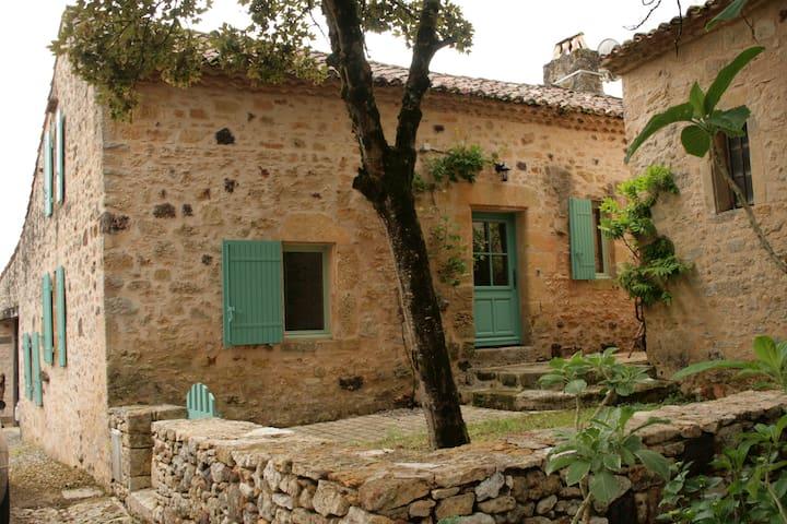Maison dans village médiéval à Biron 24 - Lavalade - Huis