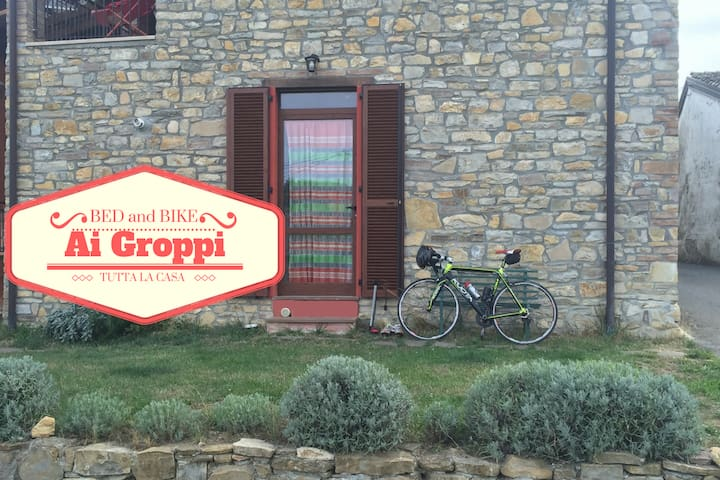 Nice house for bike lover near Gropparello Castle - Bersani