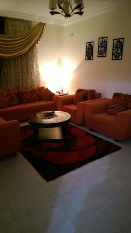 Cozy 3BD with an AMAZING view ! - Amman - Daire