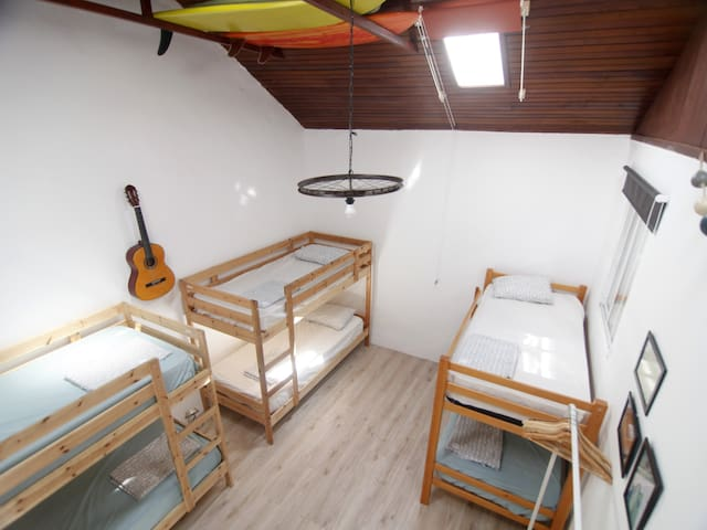 Bed in a shared big room in the hometown of Agaete - Agaete - Rumah Tamu